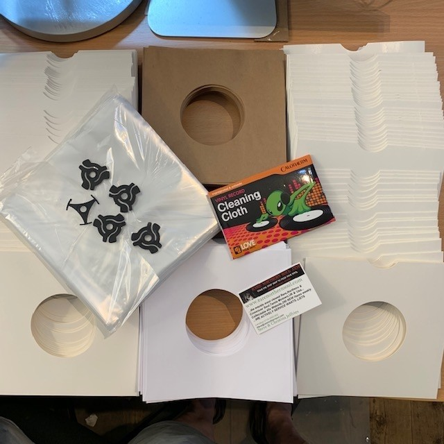 DELUX SLEEVE GIFT PACK 4
